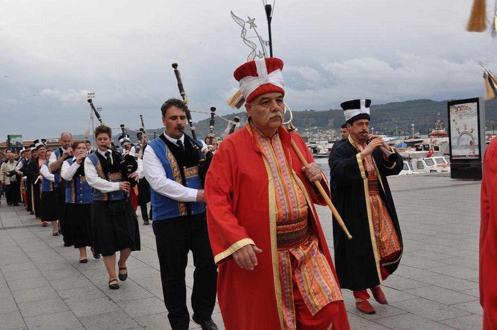 Le bagad d'Ergué-Armel et le Mehter Dernegià Cannakale pour le 100ème anniversaire de la bataille des Dardanelles