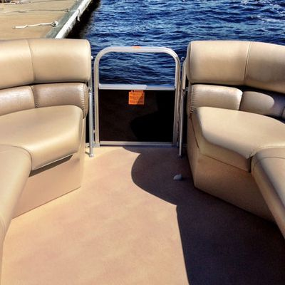 Replacing old boat upholstery with new upholstery in Florida
