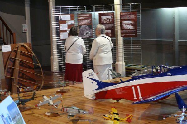 Dans le cadre des Journées du patrimoine (17-18.09.2011), l'Association des sports de l'air Val de Boutonne montrait une exposition sur l'histoire de l'aéronautique à Saint-Jean-d'Angély, à la salle Aliénor-d'Aquitaine.