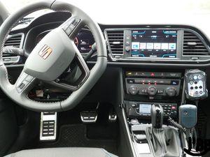 Gendarmerie : la Seat Leon Cupra, nouveau véhicule rapide d'intervention