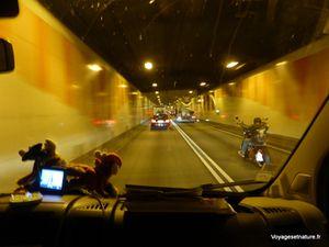 Autoroute allemande vers Hanovre et Elbtunnel à Hambourg