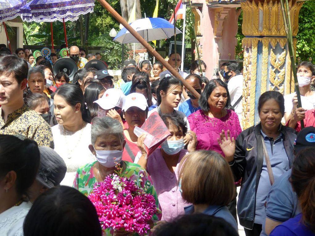 Thot Khatin au Wat Takian Tiah
