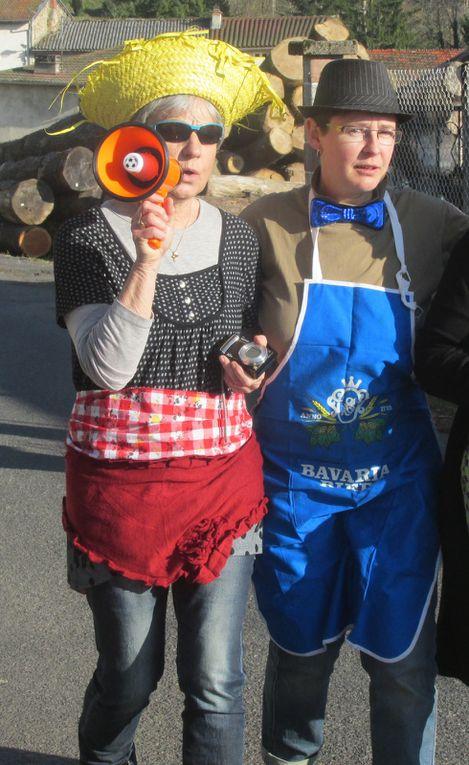 """Petite ballade dans le bourg d'Aubusson avec un soleil magnifique, des enfants heureux et des adultes """"épanouis"""" !!!..."""