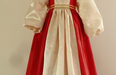 robe Lady marianne en rouge et or