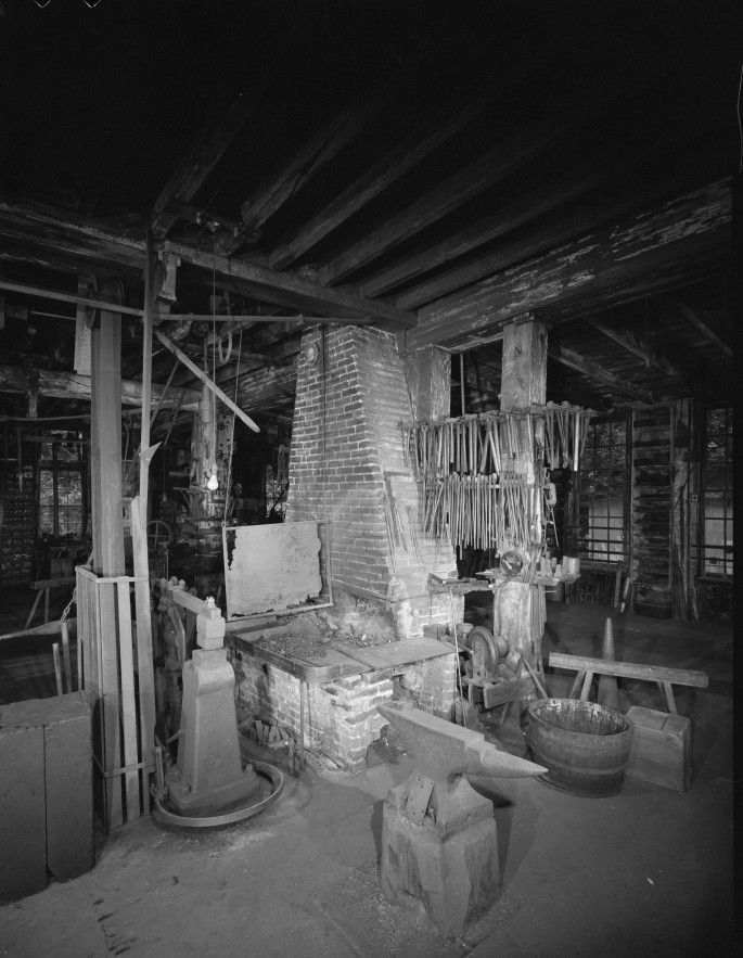 Photos des ateliers avant le déplacement de l'usine.