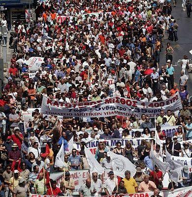 Chronique du premier jour de la grève générale en Grèce : les communistes à l'avant-garde de la mobilisation, de l'occupation de l'Acropole aux manifestations de masse de mardi