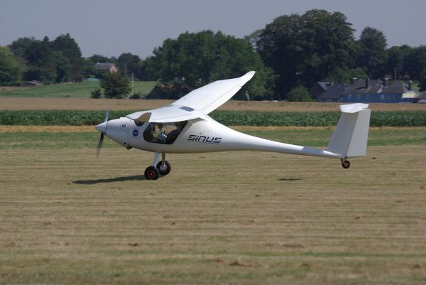 Pipistrel Sinus concurrents 63 et 69 puis Virus concurrents 18, 49 et 108. (diapo 5 photos)