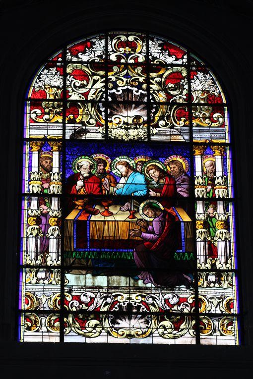 Eglise Notre Dame.  Le Christ et saint Pierre - Visitation : La Vierge et Elisabeth - La Nativité - La Cène -  Couronnement de la Vierge.