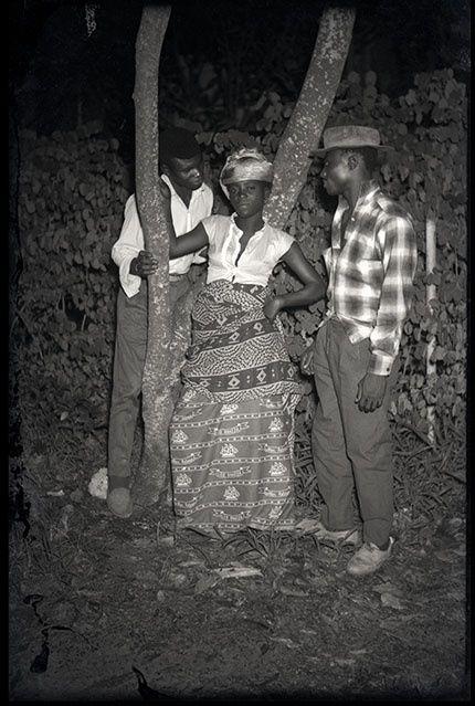 DEPARA LEMVU JOÃO, o histórico fotógrafo africano, foi natural de Makela do Zombo