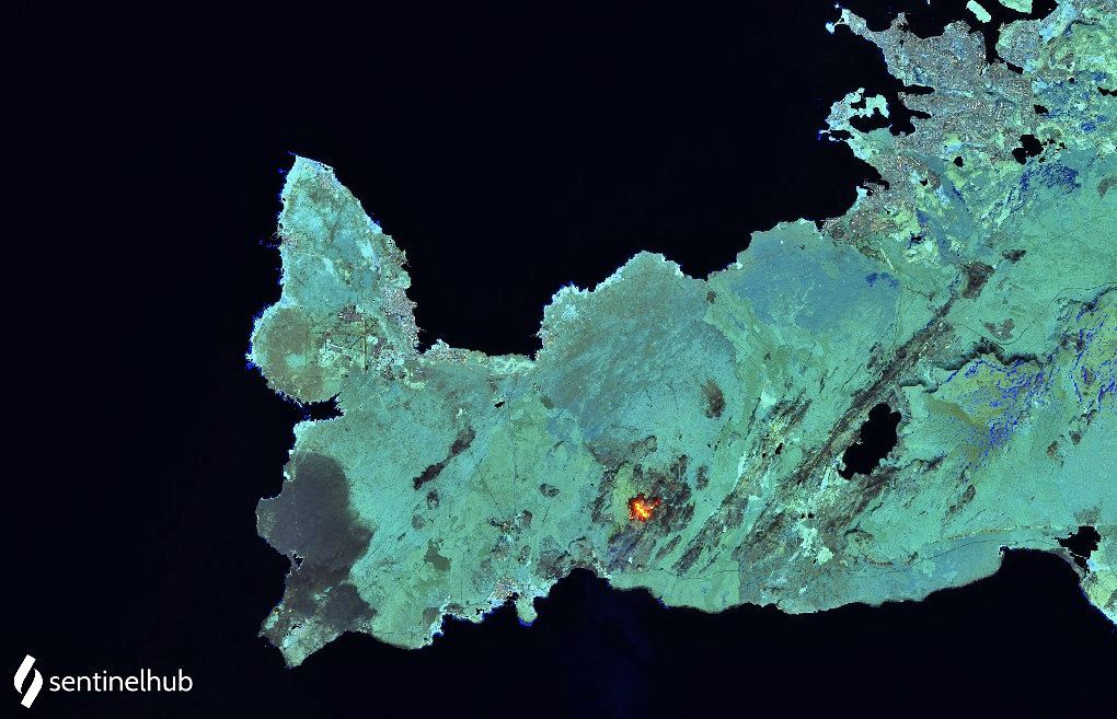 Reykjanes Peninsula - the lava field relativized on the surface - image Sentinel-2 bands 12,11,8A from 04.05.2021 - one click to enlarge