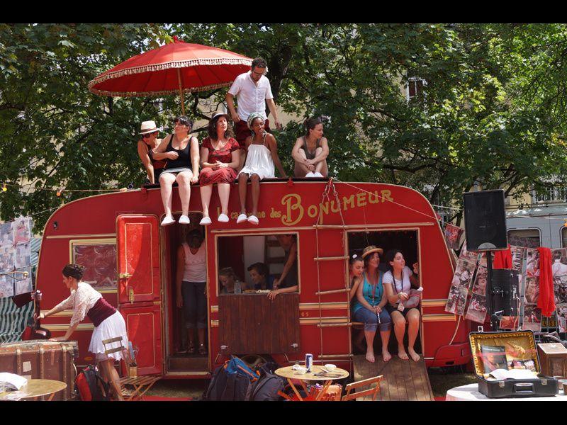 La caravane des Bonumeur au festival Chalon dans la rue