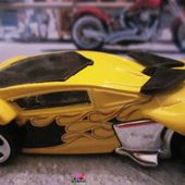 PHANTOM RACER HOT WHEELS 1/64 VOITURE FUTURISTE - car-collector.net