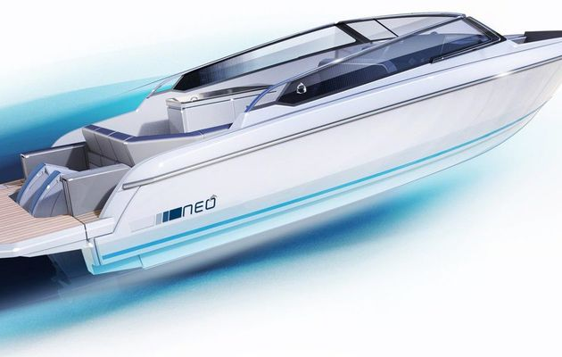 Two outboard engines or a full electric drive for the new Greenline NEO