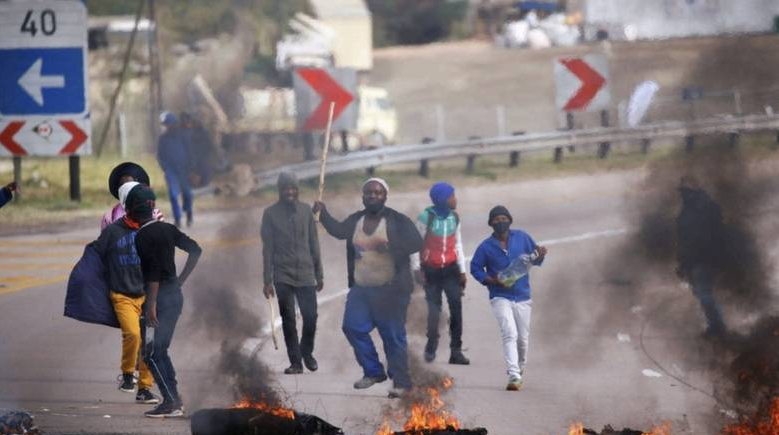 Riots erupt in South Africa over jailing of ex-president Zuma