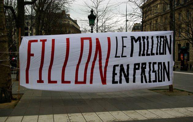 Message citoyen : Fillon, on veut notre pognon !