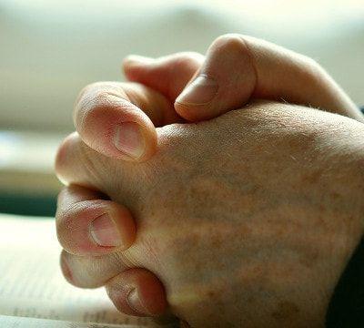Estudiar la Biblia: ¿Sabes cómo discernir las palabras de Satanás?