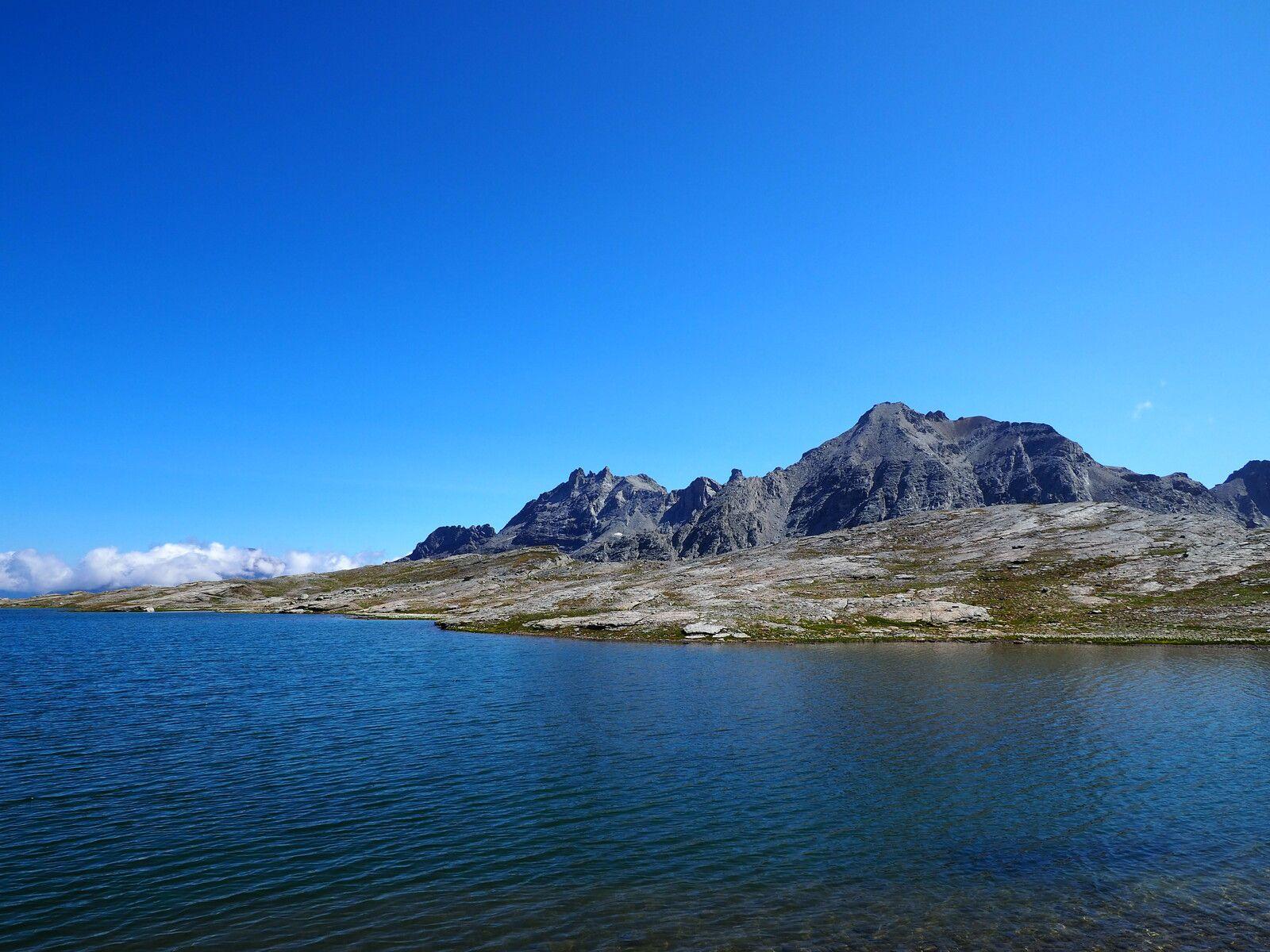 Le lac Noir (2800m) Bramans, Refuge d'Ambin avec La Haut Rando.