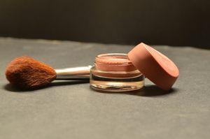 Déjouer les trahisons du maquillage...