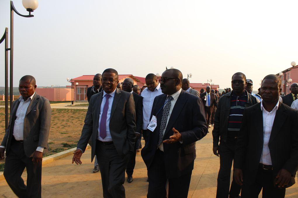 O governador visita o futueo Instututo Politécnico do Mabubu, no bairro Manga