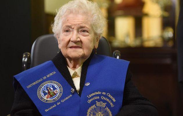 """Fernanda Pozo, licenciada en química a los 94 años: Si tienes ganas de aprender no hay barreras"""""""