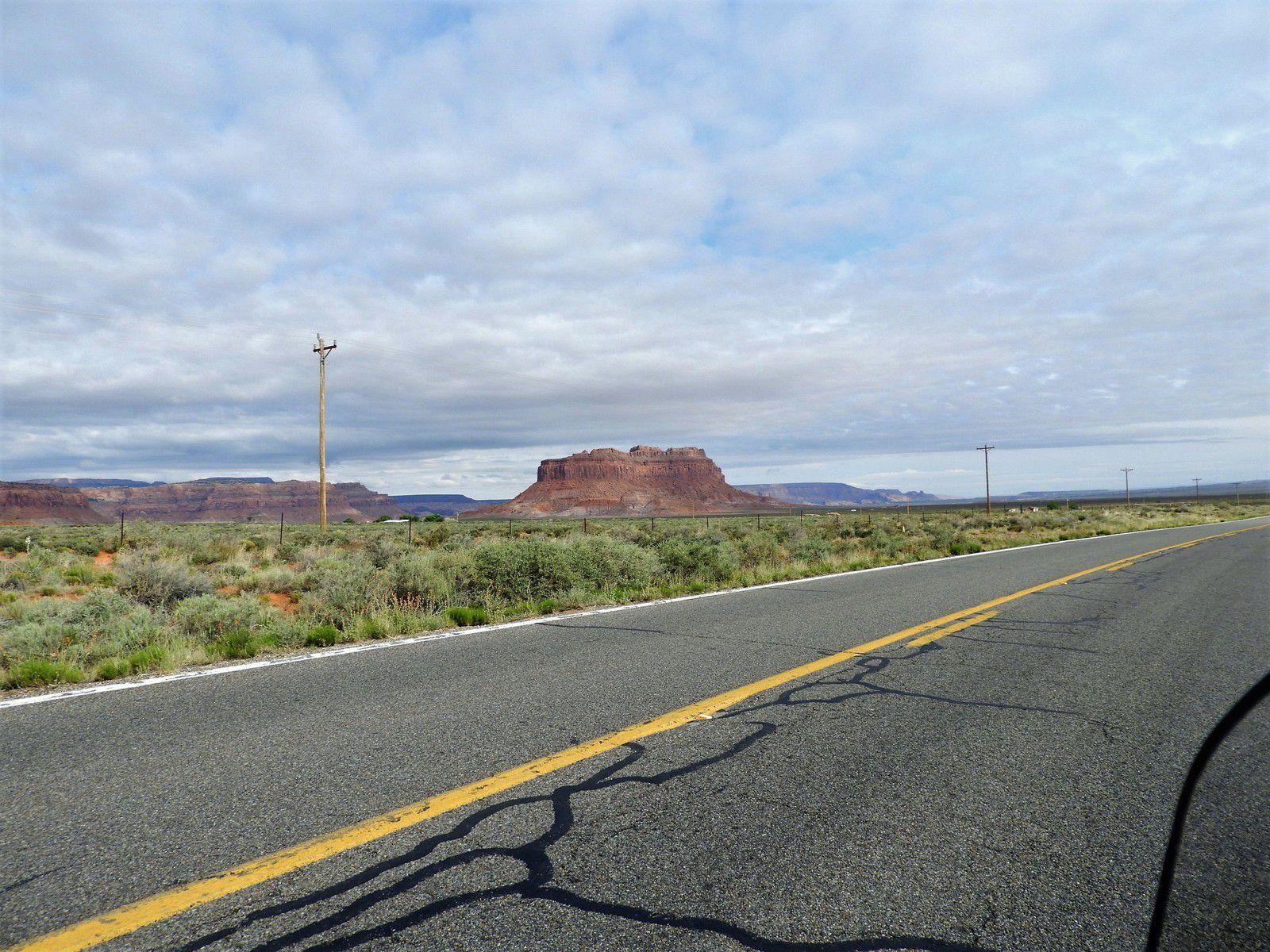 Goldwing Unsersbande - Un couple et une moto dans le Wild West américain 06 jour -  De Kayenta, monument Valley à Moab
