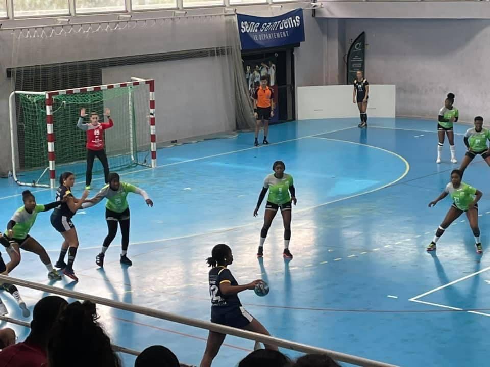 Les Amazones du Aulnay Handball l'emportent 31 à 30 face au leader Rueil Malmaison