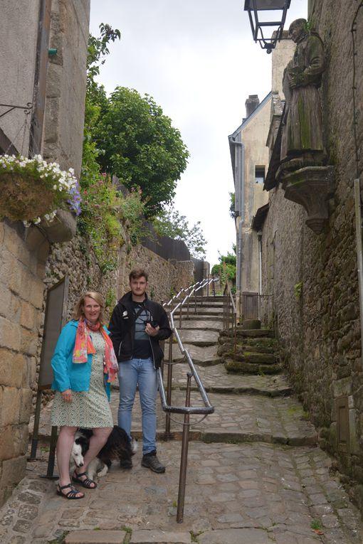 Dans les rues d'Auray et les ruelles du port Saint-Goustan.
