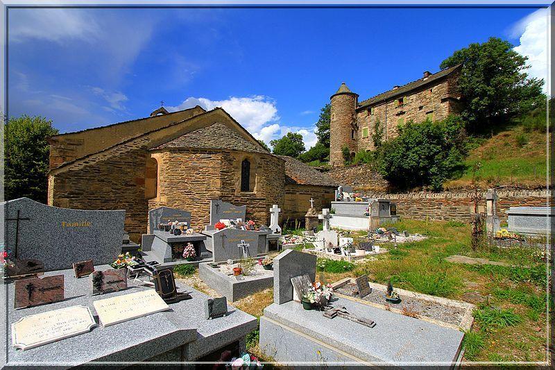 Diaporama prieuré fortifié - Saint Jean du Bleymard