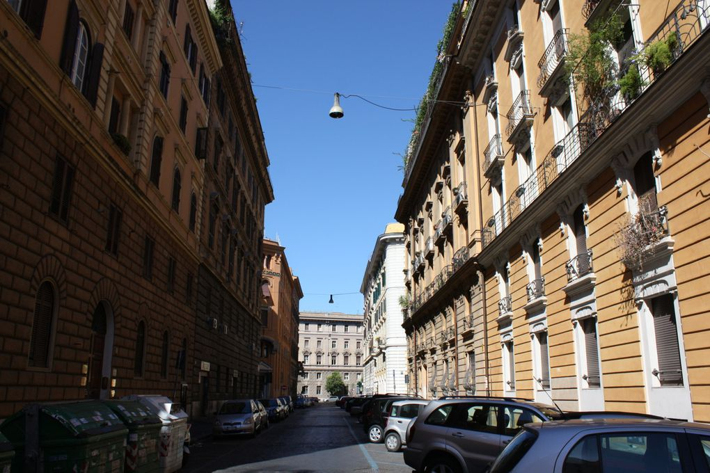 Promenades à Rome (Italie) 2010 Photos et dessins: Mariela et Emmanuel CRIVAT
