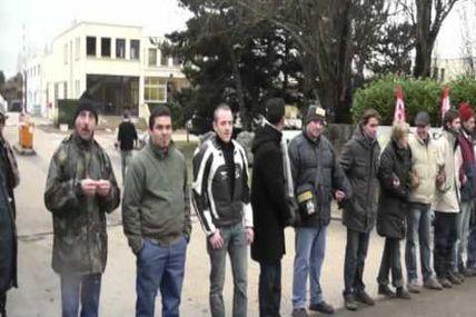 Les salariés d'Acrodur bloquent leur site de production - 241210