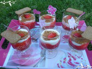 Verrines de fraises et spéculos