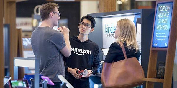 Amazon Store : c'est bien partit ! Et comme Apple en 2001 plus que des magasins Amazon crée des espaces de rencontre et de services.