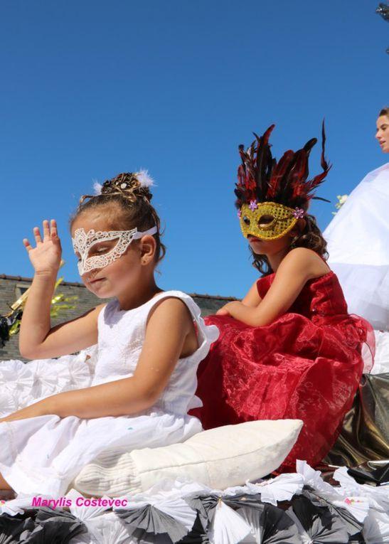 Carnaval et gondoliers ... décor vénitien pour les Majestés  !