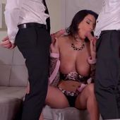 anissa kate chaude hotesse de l'air en trio - actrice x video porno