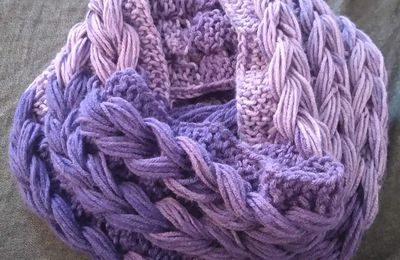 Snood tressé violet