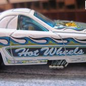 FORD MUSTANG FUNNY CAR SANS FENETRE ARRIERE HOT WHEELS 1/64 - car-collector.net