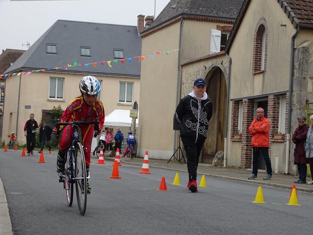 Mattis Noel (Dreux CC) vainqueur à Prunay le Gillon (28) en pupilles