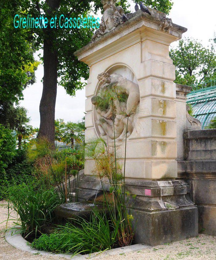 Fontaine à haut relief de Dalou Bacchanale