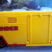 CAMION RENAULT G260 SEMI REMORQUE CIRQUE PINDER SOLIDO 1/43 - car-collector