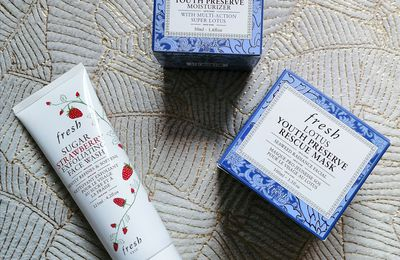 Fresh, Lotus Youth Preserve & Sugar Strawberry exfoliating