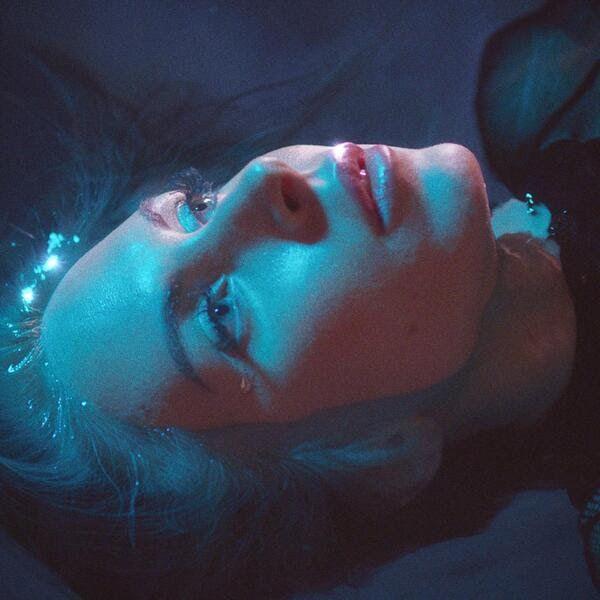 Nina Rossell nouveau single Idées Noires bernieshoot