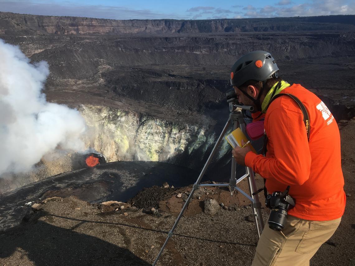 Kilauea, Halema'uma'u lac de lave le 23.12.2020 - surveillance par les équipes de l'HVO - photo M.Patrick USGS