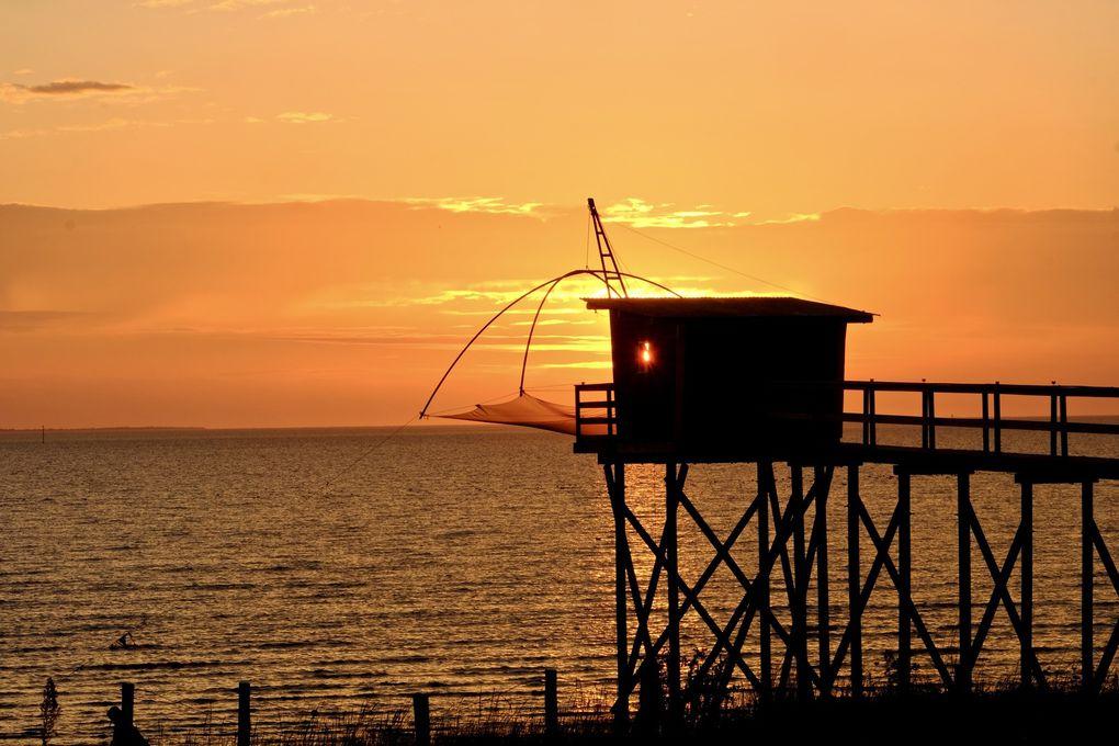 Les pêcheries de Bourgneuf sont un véritable décors de cinéma pour qui veut attendre le soir et voir la lumière terminer son spectacle. Ici vous êtes sur côte de la Jade et toutes ces pêcheries sont avant tout un refuge de paix et de poésie pour la plupart des propriétaires.