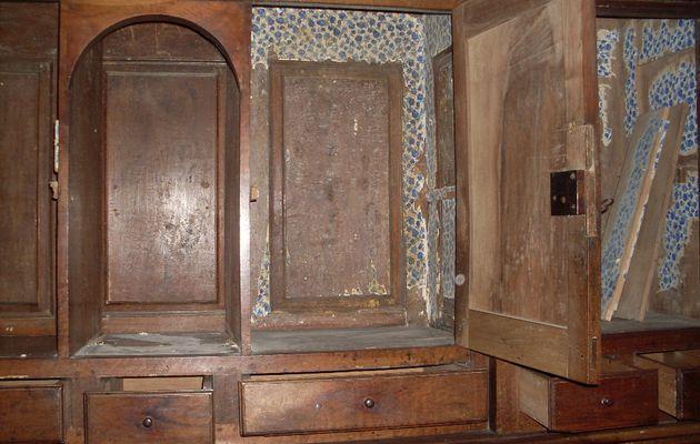 Le meuble de la sacristie de l'église Sainte-Radegonde