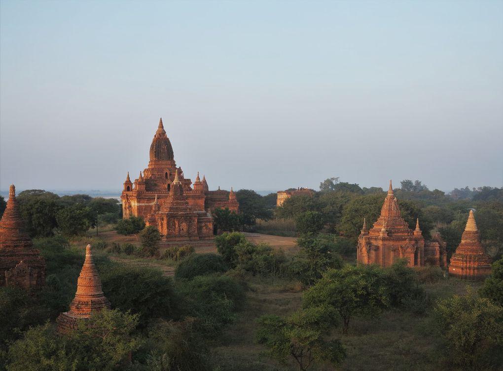 Le site a été pillé en 2020, comme il y avait peu de touristes. En février 2021, un énième putsch des généraux a eu lieu - ils étaient jusqu'alors députés d'office, sans élection, habillés en civil à l'Assemblée, ce qui les banalisait. Espérons que les touristes reviendront bientôt visiter Bagan, dans un pays civilisé et non pas militarisé.