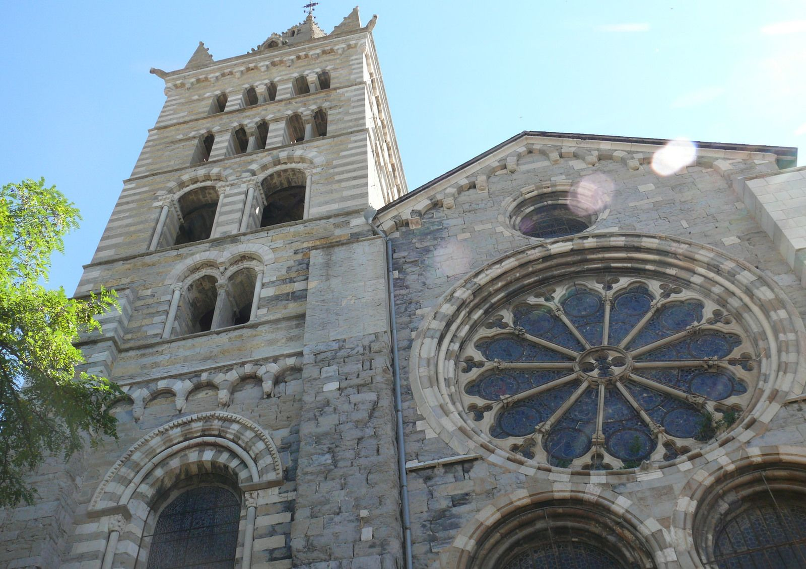 CATHEDRALE D'EMBRUN