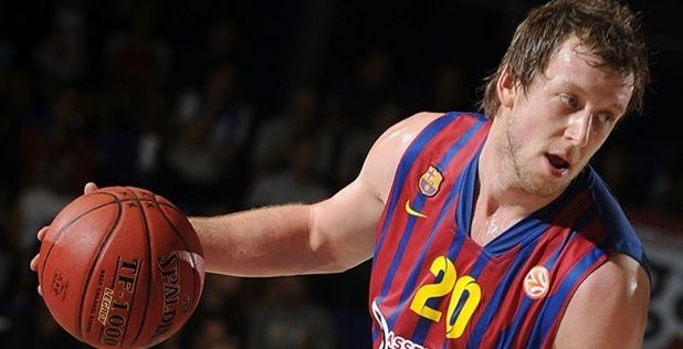 Joey Ingles left Barcelona for Maccabi Tel Aviv