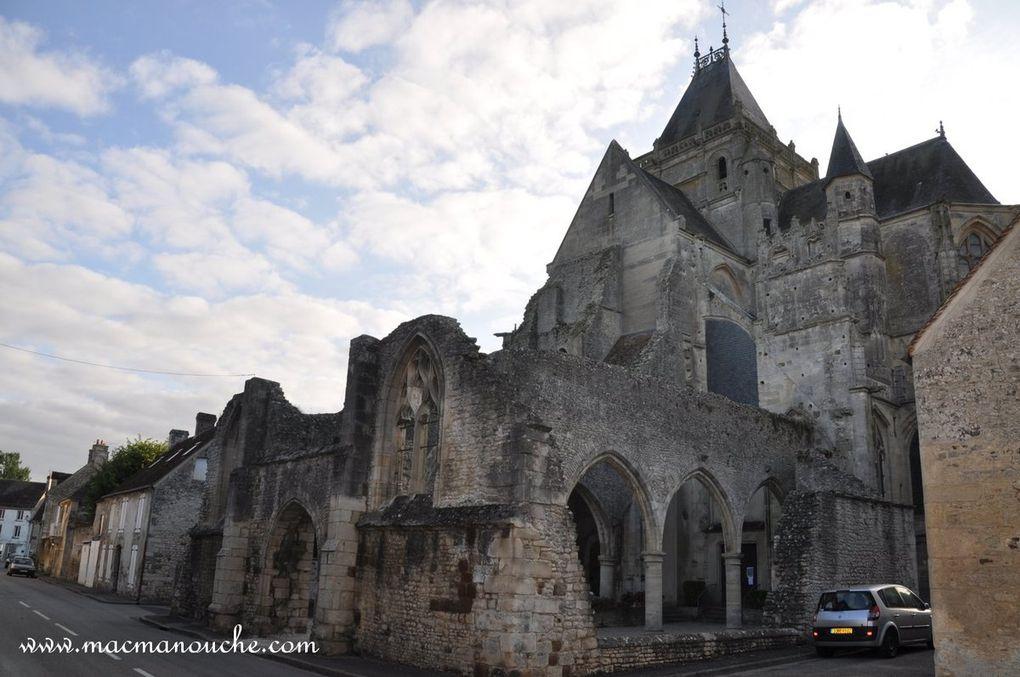 Diaporama de l'église Notre-Dame d'Écouché. (défilement automatique des 6 photos)