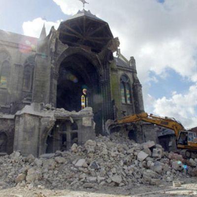 Destruction d'églises, destruction de l'Eglise ?