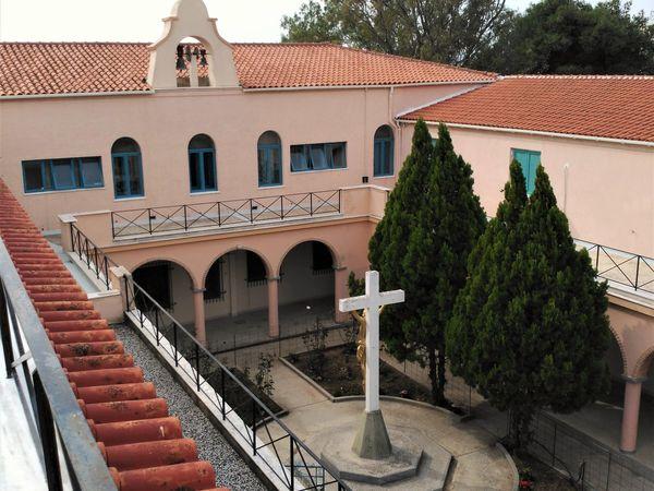 Le monastère Iraklieo-Athènes de la Sainte Trinité et de la Mère de Dieu